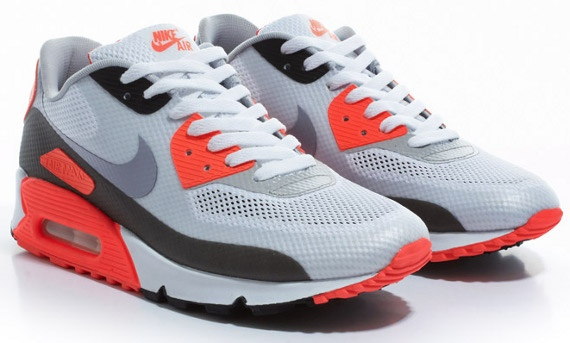 Nike Air Max 90 Hyperfuse On Feet