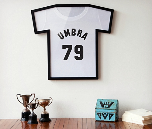 Umbra-T-Shirt-Display-Case