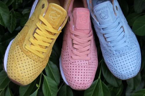 play-cloths-x-saucony-shadow-5000-cotton-candy-pack-4-570x380