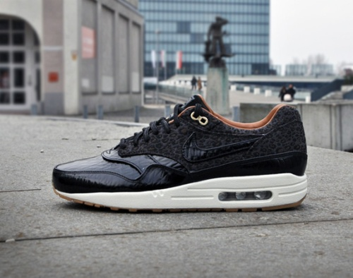 nike-air-max-1-fb-woven-black-| The Style Raconteur