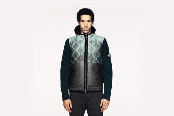 Stone-Island-FW-2013-Color-Changing-Jackets-01