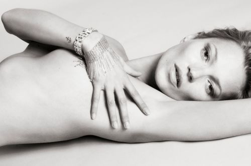 Kate-Moss-by-Mert-Alas-and-Marcus-Piggott-for-Playboy-2875567