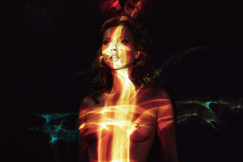 kate-moss-by-mert-marcus-for-playboys-60th-anniversary-8