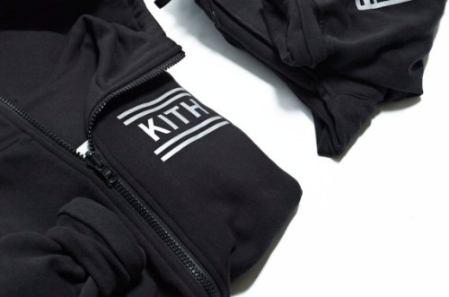 kith-black-bergen-hoodie-and-black-bleecker-sweatpant-02-570x378