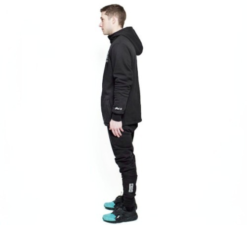 kith-black-bergen-hoodie-and-black-bleecker-sweatpant-03-570x519