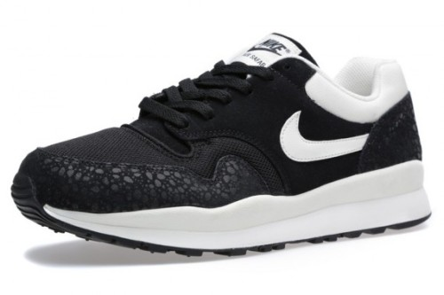 nike-air-safari-black-white-january-2014-1-570x380