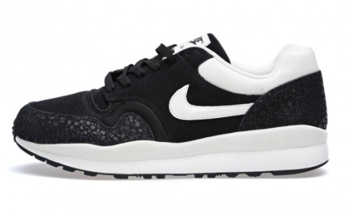 nike-air-safari-black-white-january-2014-2-570x349