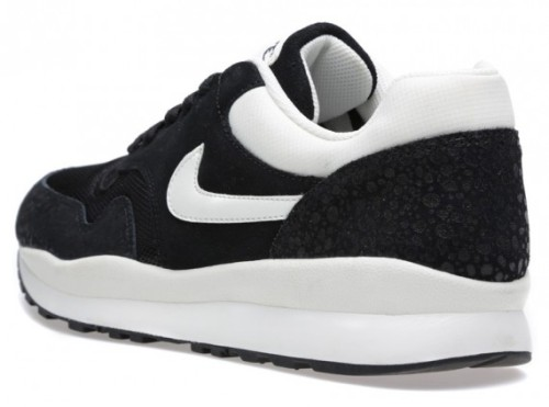 nike-air-safari-black-white-january-2014-3-570x424