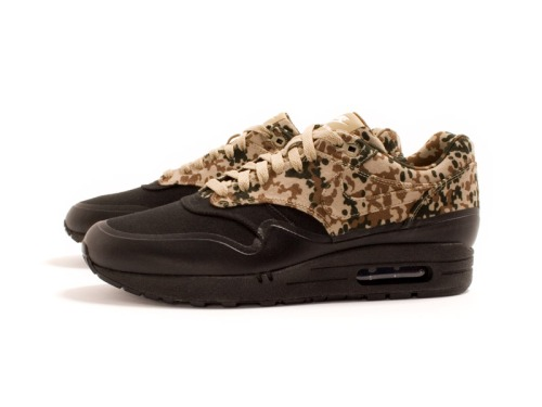 nike-air-max-1-sp-camo-germany-friends-family-edition-03