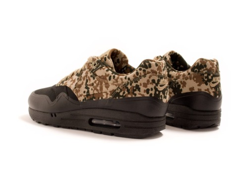 nike-air-max-1-sp-camo-germany-friends-family-edition-04