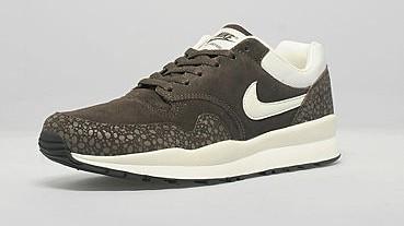 Nike Air Safari | The Style Raconteur