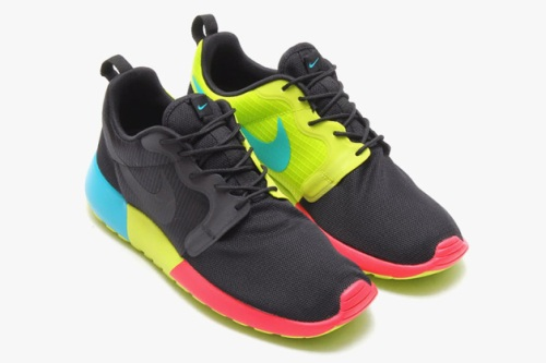nike-roshe-run-hyperfuse-spring-2014-monochromatic-pack-08-630x419