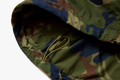 the-north-face-purple-label-camo-windbreaker-and-shirt-03