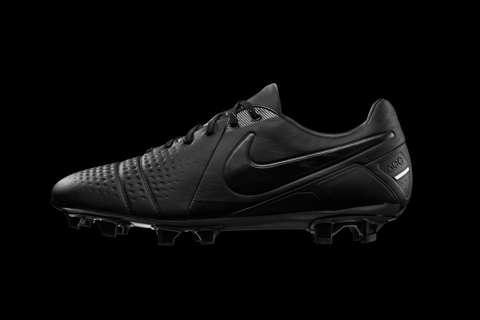 nike football ctr 360 all black boot the style raconteur