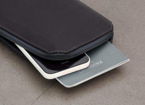 5_bellroy-weta-black-texture-bellroywebsite-11.1405317682