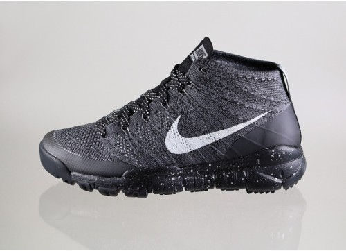 nike-flyknit-trainer-chukka-fsb-(black-sail-dark-grey-light-charcoal)-625009-002