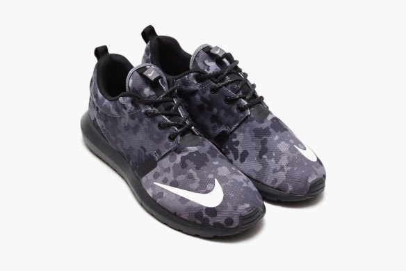 nike-roshe-run-nm-anthracite-black-camo-1