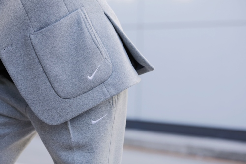 clothsurgeon-customizes-sweatsuit-with-nike-tech-pack-4