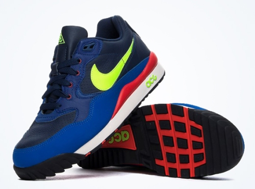 nike-acg-air-wildwood-midnight-navy-volt-red-01