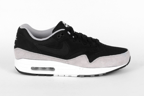 nike-air-max-1-essential-black-flat-silver-0