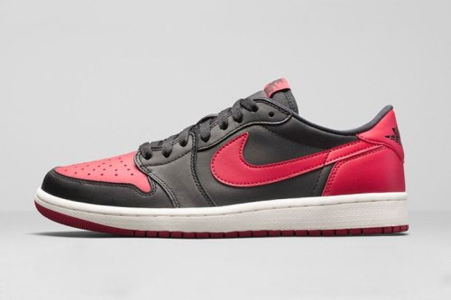 air-jordan-1-retro-low-og-black-varsity-red-sail-01