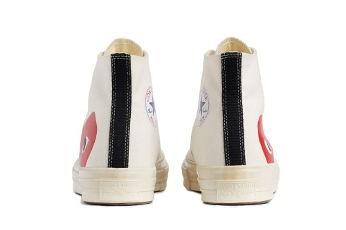 comme-des-garcons-play-converse-chuck-taylor-all-star-70-3-960x640